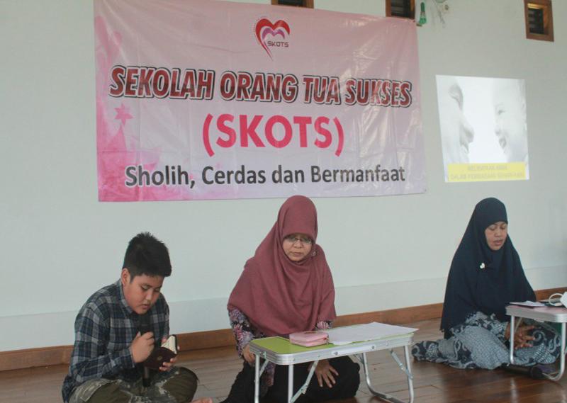 Belajar dan Bersilaturahmi melalui SKOTS (Sekolah Orang Tua Sukses)
